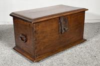 Small Spanish Walnut Chest From The 17th Century, (5 of 8)
