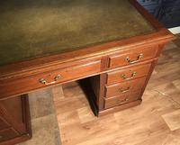 Edwardian Mahogany Pedestal Desk (3 of 4)