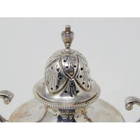 Pair of Ornate Heavy Victorian Hallmarked Silver Sugar Shakers (6 of 7)