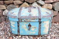 Scandinavian / Swedish 'Folk Art' Travel chest in blue paint and ironwork, 18th Century (3 of 37)