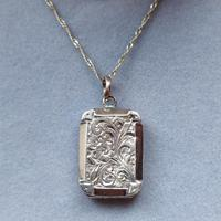 Victorian 9ct Gold Locket (7 of 8)