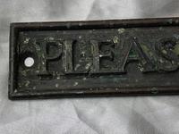 English Antique Bronze Edwardian Garden Plaque Gate Sign Please Close The Gate (10 of 16)