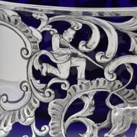 Large Victorian Irish Silver Dish 'Potato' Ring Wakely & Wheeler Wild Animals (9 of 18)
