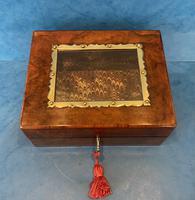 Victorian Walnut Display Box (10 of 11)