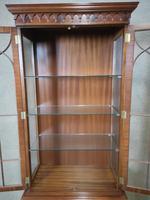 Reproduction Mahogany Display Cabinet (10 of 12)
