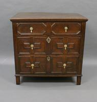 17th Century Oak Chest of Small Proportions (3 of 6)