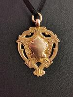 Vintage Art Deco 9ct Gold Shield Fob (3 of 9)