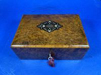 French 19th Century Burr Cedar Box. (13 of 14)