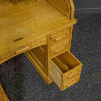Small Oak Roll Top Desk (11 of 12)