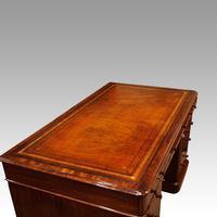 Victorian Mahogany Pedestal Desk (6 of 11)