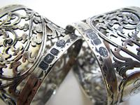 Pair of Antique English Victorian Style Solid Sterling Silver Serviette Napkin Rings. Cased / Original Box (4 of 7)