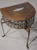 Very Good Quality George III Period Demilune Steel Footman (3 of 5)