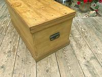 Wonderful Restored Old Pine Blanket Box / Chest / Trunk / Coffee Table (6 of 8)