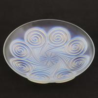 Large Art Deco Opalescent Glass Charger in Geometric Design by Etling c.1930 (3 of 8)