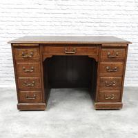 Oak Pedestal Desk (2 of 9)