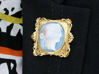 Carved Hardstone & 18ct Yellow Gold Cameo Brooch - Antique c.1860 (9 of 9)