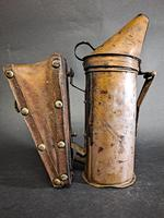 Antique Bee Hive Smoker (2 of 5)
