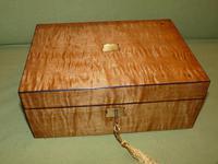 Satinwood & Mahogany Jewellery Box. Plush Interior. c1860. (10 of 11)