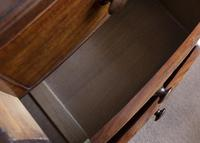 Early 19th Century Mahogany Bow Front Chest of Drawers (4 of 6)