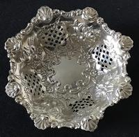 Silver Reticulated, Repousse Decorated  Bon Bon  Dish  Birmingham 1907 (4 of 5)