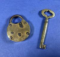 Victorian Brass Working Padlock & Original Key c.1880 (5 of 6)