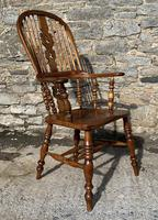 Pair of Antique Broad Arm Windsor Chairs (26 of 28)