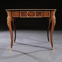 French 19th Century Gilt-Bronze Mounted Writing Table of Fine Quality (7 of 11)