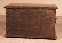 Small Spanish Chest in Walnut 17th Century (10 of 10)