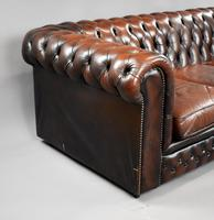 20th Century Brown Leather Buttoned Back Chesterfield Sofa (5 of 7)