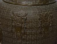 Pair of Japanese Bronze Vases (4 of 5)