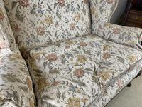 Two Seater Settee with Carved Legs (3 of 5)
