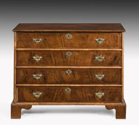 Mid 18th Century Chest of Four Long Drawers (2 of 4)