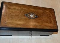 Smaller 6 Air Victorian Musical Box (4 of 5)