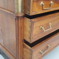 Early French Walnut Chest of Drawers c1790 (6 of 7)