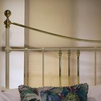 Wide Cast Iron & Brass Antique Bed in Cream (6 of 7)