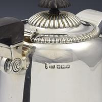 George V Large Silver Hot Water Jug / Coffee Pot 1913 (8 of 11)