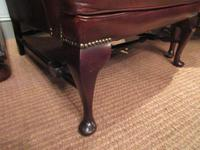 Superb Antique Leather Buttoned Wing Armchair (5 of 8)