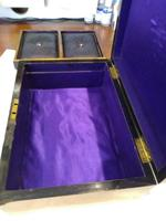 Walnut Wood Sewing Box with Mother of Pearl Inlay (10 of 13)