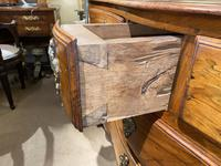 Serpentine Fronted 18th Century Commode (9 of 11)