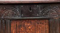 Handsome Early 18th Century Oak Coffer / Blanket Box / Chest c.1700 (2 of 8)