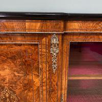Spectacular Figured Walnut Victorian Break Fronted Antique Credenza (3 of 10)