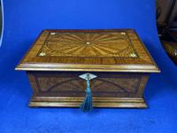 19th century French Walnut Inlaid Jewellery Box. (6 of 16)