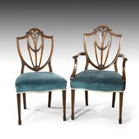 Most Attractive Set of 8 Early 20th Century Hepplewhite Chairs of Classical Form (3 of 5)