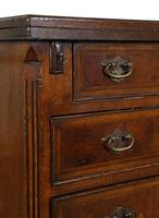 Small George II Style Walnut Bachelor's Chest (6 of 9)