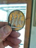 """Fine Quality Antique Victorian """"3 Graces"""" Shell Cameo Mounted in Yellow Metal. (3 of 4)"""