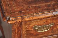 Fine Early 18th Century Walnut Lowboy Of Fabulous Colour (14 of 14)