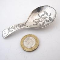 Beautiful George III Silver Caddy Spoon Samuel Pemberton Birmingham 1810 (5 of 6)