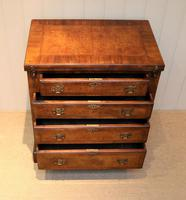Small Proportioned Walnut Batchelors Chest (4 of 8)