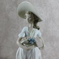 """Flores De Primavera""/""Spring Flowers"" Hand Modelled Porcelain Figure by Nao (2 of 7)"
