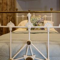 Antique White Decorative Brass & Iron Victorian Single Bedstead (5 of 7)